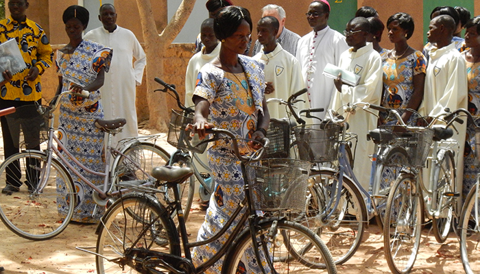 10_catechisti in burkina