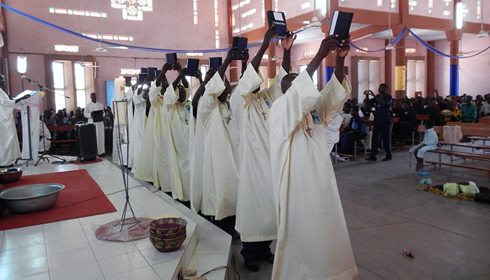 4_catechisti in burkina